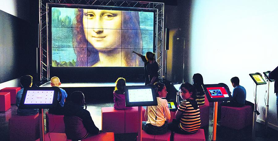 Réservez votre visite du musée numérique de la Micro-Folie !